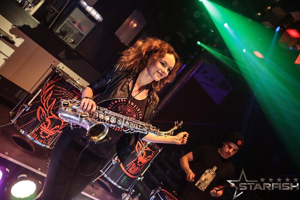Saxophonistin Miriam Dirr @ Starfish Club